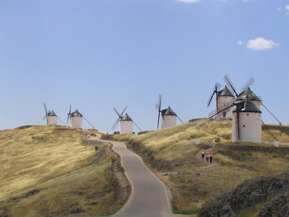 Het binnenland. Consuegra. De windmolens van Don Quichot in Castilië-La Mancha. Foto: Ron Maat.