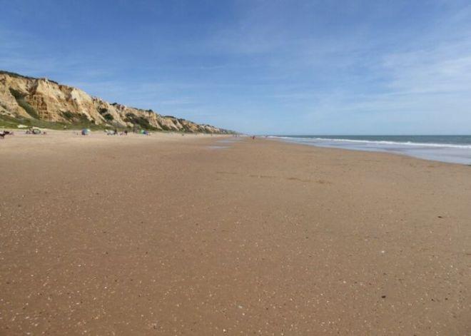 Nr.6. Het eindeloze strand tussen Mazagon en Matalascañas, playa del parador Cristóbal Colón.