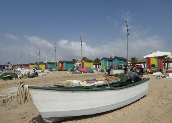 Nr.9. Islantilla is zon, zee en vakantie. Dit strand doen de touroperators aan. Het oude vissersdorp ligt er middenin én houdt z'n tradities en eigen normen in stand.