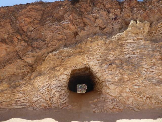 Voormalige mijngang bij gouddorp Rodalquilar. (Cabo de Gata).