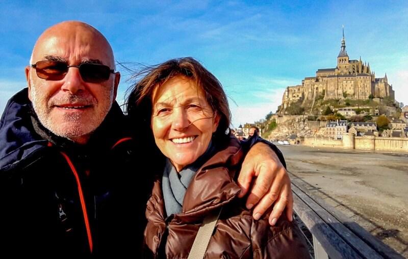Onze Belgische volger, oud-fotograaf Pierre Wuyts met z'n vriendin Linda.