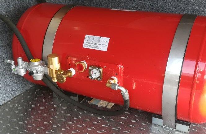 LPG Gastank mit 105l im Wohnmobil nachgerüstet