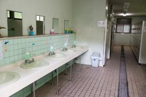 トイレ-菖蒲ヶ浜キャンプ場