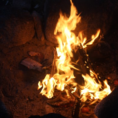 Establish a good bed of embers