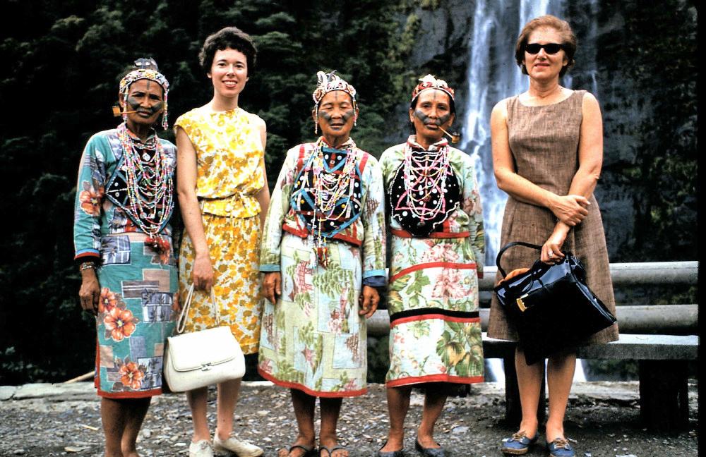 Taiwan-women-and-mom-and-grandma