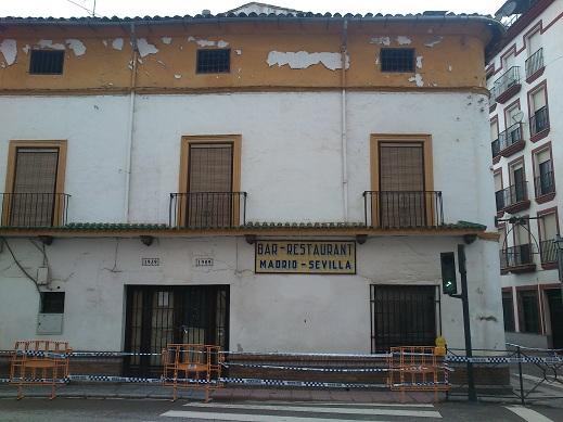 Edificio del Madrid-Sevilla en Andújar.