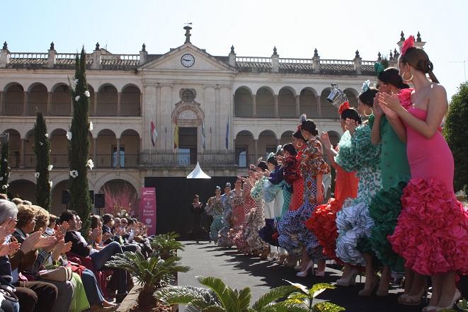 Un instante de la primera edición de la Pasarela de la Moda del Sur, Andújar Flamenca.