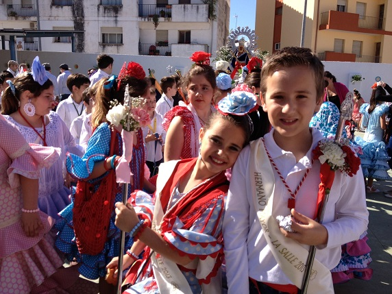 Niños participando en la Romería Escolar de Andújar.