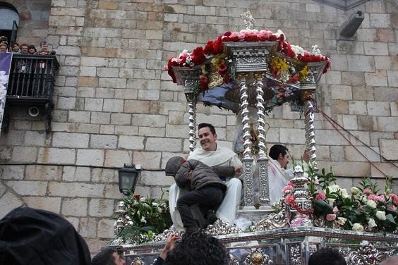 La Morenita pudo desfilar por las calzadas del Santuario.