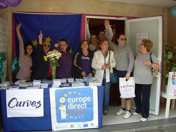 Las usuarias del Gimnasio Curves ampliaron sus conocimientos sobre la UE.