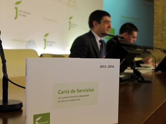 Imagen de la Carta de Servicios de la Diputación que han presentado Francisco Reyes y Ángel Vera.