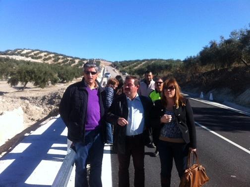 El diputado de Infraestructuras Municipales, José Castro, junto a la alcaldesa de Santiago de Calatrava, Rocío Zamora.