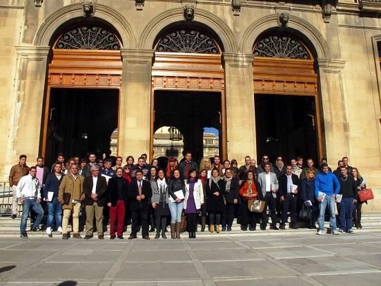 Autoridades junto a los emprendedores que han recibido el apoyo de la Diputación.
