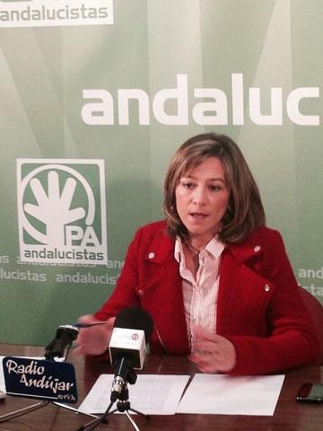 La concejala andalucista, Encarna Camacho. en rueda de prensa.
