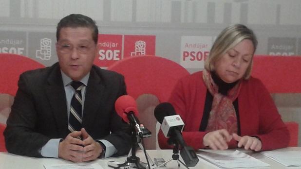 Francisco Huertas y Josefa Jurado, en rueda de prensa.