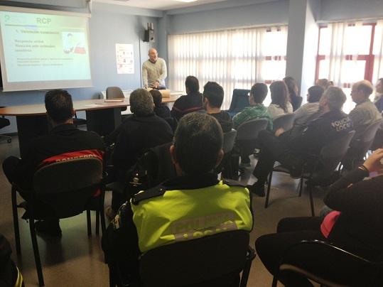 Alumnos asisten al curso de  primeros auxilios en Andújar.