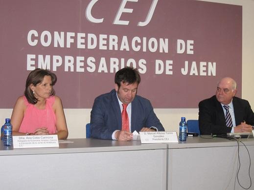 Ana Cobo presenta el programa de Ayudas Financieras a las Pequeñas y Medianas Empresas.