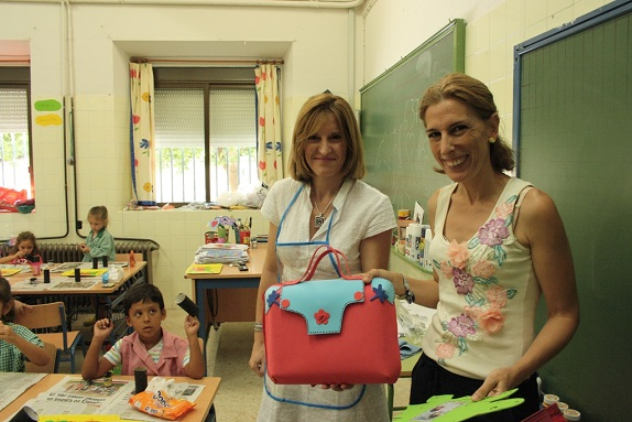 La Concejala de Cultura del Ayuntamiento de Andújar, Delia Gómez, asiste a los talleres.