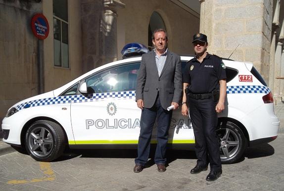 VEHÍCULO PATRULLERO POLICÍA (reducida)