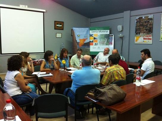 Encuentro sobre Igualdad mantenido con la ADR de la Campiña Norte y alcaldes de la comarca.