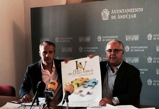 El alcalde de Andújar, Jesús Estrella, y el concejal, Joaquín Luque, en la presentación de esta Feria Multisectorial.