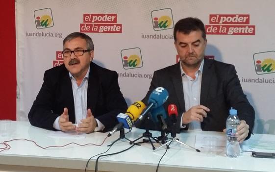 El coordinador andaluz de Izquierda Unida, Antonio Maíllo, y el coordinador provincial, Luis Segura.