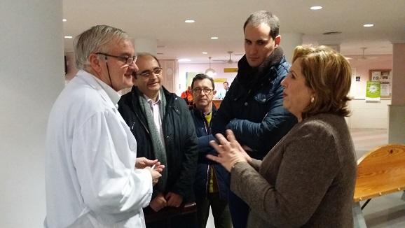 Ángeles Jiménez visita el Centro de Salud de Arjona.