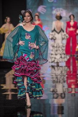 Desfile en el Salón Internacional de la Moda Flamenca (SIMOF).