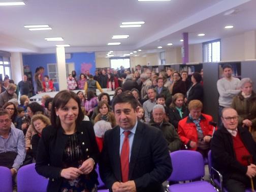 Isabel Uceda y Francisco Reyes, antes de inaugurar la nueva Biblioteca.