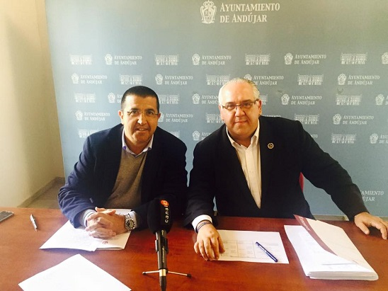 Manuel Fernández y Jesús Estrella dan cuenta de la liquidación del presupuesto del año pasado.