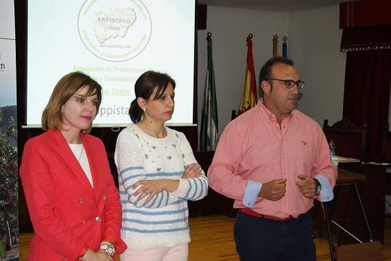 María Angustias Velasco, Isabel Uceda y Julián Navarro.
