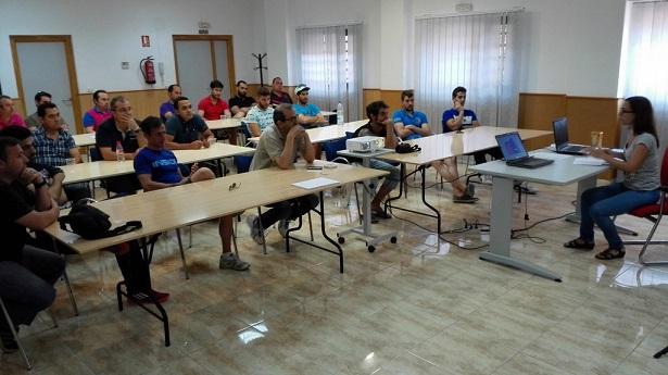 Trabajadores de la construcción reciben el curso en la Cámara de Comercio de Andújar.
