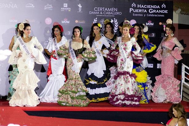 Los trajes de Inés de la Fuente lucen en la pasarela.