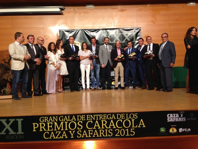 El Alcalde de Andújar, Paco Huertas,  fue invitado a entregar uno de los premios Caracola.