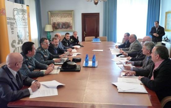 Una imagen de la reunión mantenida en la sede de la Subdelegación del Gobierno.