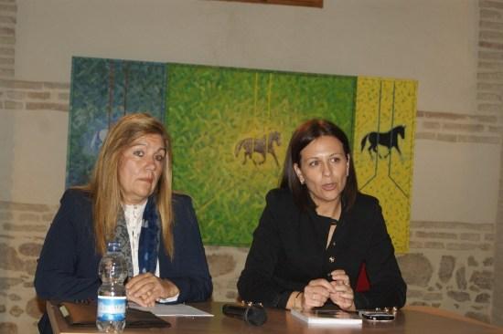Isabel Uceda y Nani Martínez, durante la presentación en Lopera.