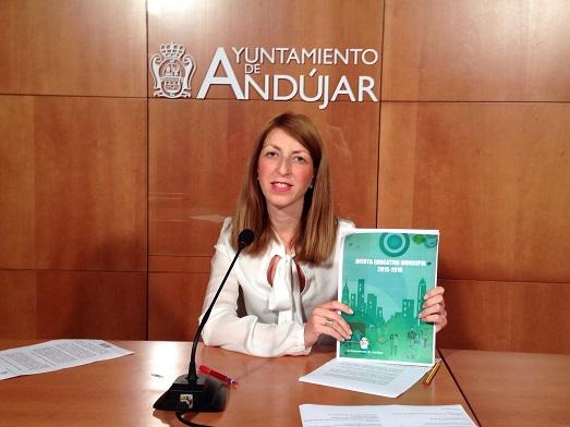 La Concejala de Educación del Ayuntamiento de Andújar, Alma Cámara.