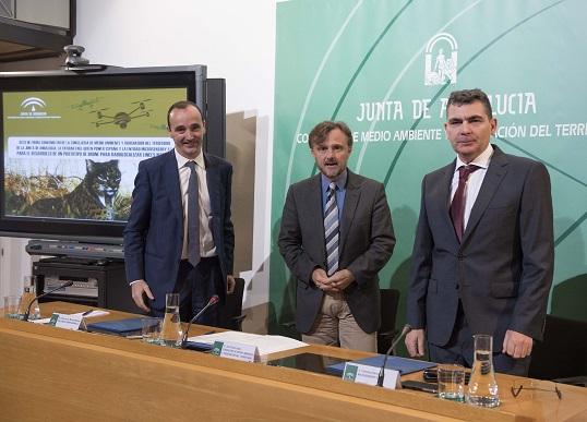 El consejero de Medio Ambiente y Ordenación del Territorio, José Fiscal, presentó esta medida en rueda de prensa.