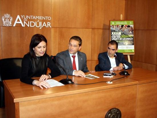 Isabel Uceda, Francisco Huertas y Miguel Ángel Martínez, durante la presentación de esta prueba.