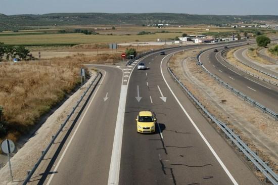 Circulación de vehículos en la A-4 (Autovía del Sur) en la provincia de Jaén.