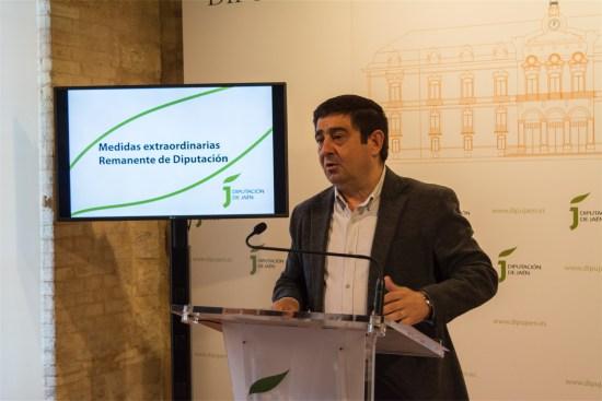 Francisco Reyes, durante la presentación de estas medidas.