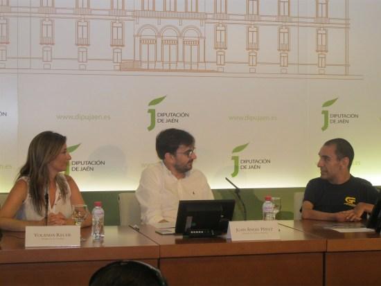 Yolanda Reche, Juan Ángel Pérez y Miguel Ángel Martínez Tajuelo en esta presentación.