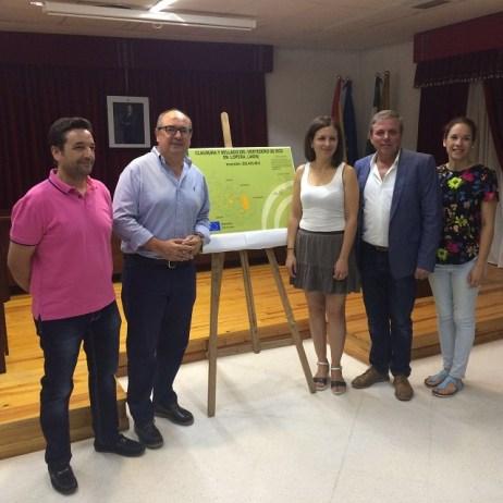 Acto de presentación del proyecto para el sellado del vertedero de la localidad de Lopera.