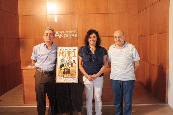 La concejala de Cultura, María José Bueno, asistió a la presentación de esta obra teatral.