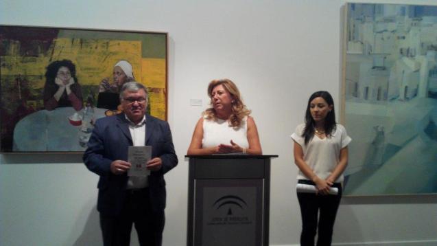 La delegada territorial de Cultura, Turismo y Deporte, Pilar Salazar, junto all alcalde de Villatorres, Sebastián López, y la concejala de Cultura, Rocío Berrio.
