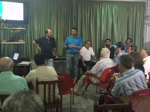 El delegado territorial de Fomento y Vivienda, Rafael Valdivielso, ha participado en este encuentro con los vecinos de Linares.