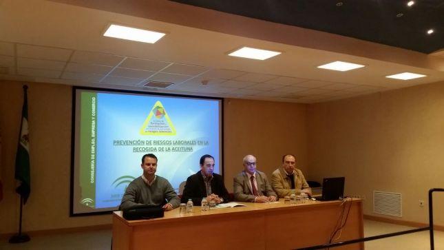 Acto de inauguración de las jornadas 'Prevención de Riesgos Laborales durante la Campaña de Aceituna'.