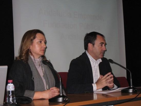 El delegado territorial de Economía, Innovación, Ciencia y Empleo, Antonio de la Torre, ha explicado estas ayudas.