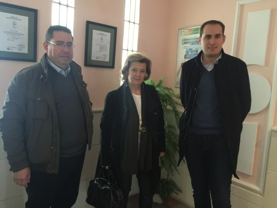 La delegada territorial de Igualdad, Salud y Políticas Sociales en Jaén, Teresa Vega, ha estado acompañada por el alcalde de Arjona, Juan Latorre.