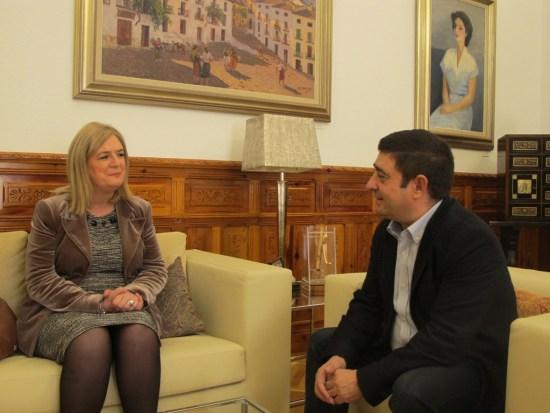 Francisca Molina y Francisco Reyes, durante este encuentro institucional.